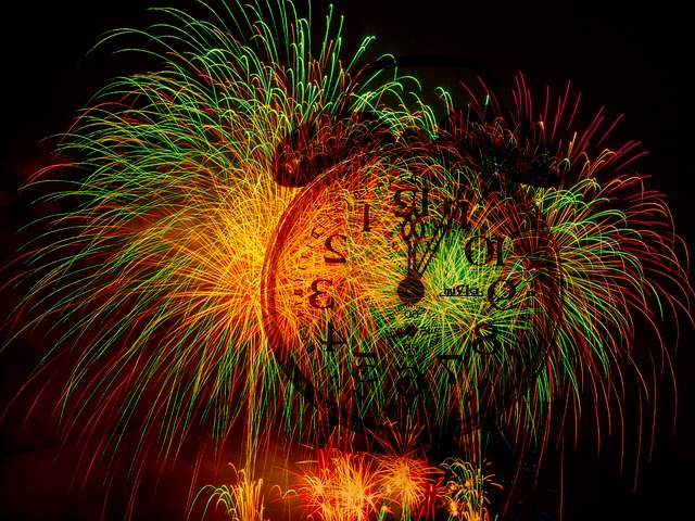 fireworks-213370_640